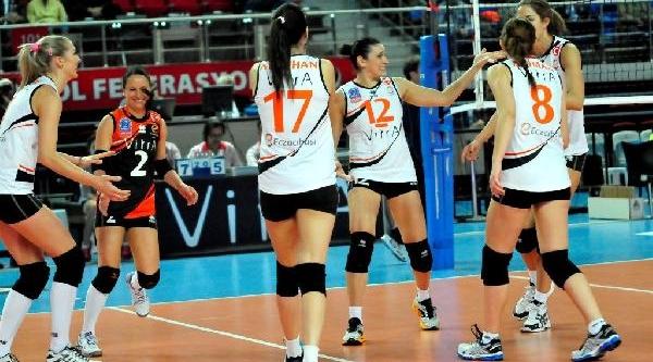 Eczacibaşi Vitra 3'te 3 Yaparak Şampiyonlar Ligi'ndeki Grubunda Lider Oldu