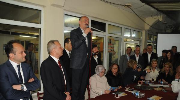 Eczacıdan Bakan Müezzinoğlu'na Tepki: Artık Bıçak Kemiğe Dayandı