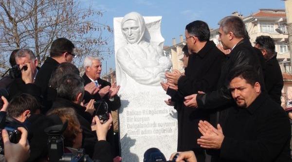 Edirne'de Ağlatan Büst Açilişi
