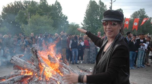 Edirne'de Dev Hıdırellez Ateşi (2)
