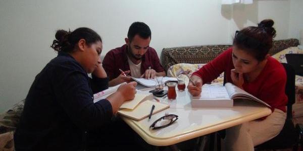 Edirne'de Üniversite Öğrencilerinden 'kizli-Erkekli' Tepkisi