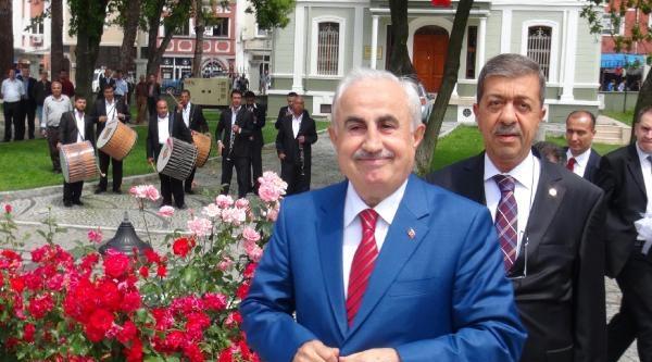 Edirne'nin Yeni Valisine Davullu-zurnalı Karşılama
