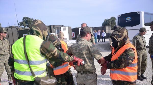 Efes 2014 Tatbikatının Gece Bölümünde Gerçek Roketler Kullanıldı
