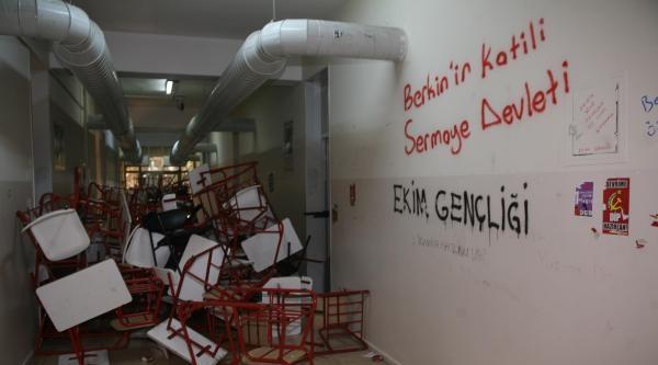 Ege Üniversitesi Kampüsü İçinde Öğrenci İşgali