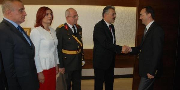 Ege'De Cumhuriyet Coşkusu