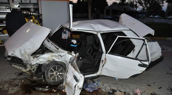 Eğlence Dönüşü Kaza: 3 Yaralı