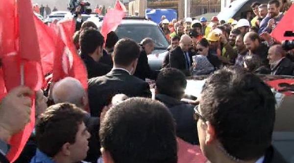 (Ek Bilgi Ve Fotoğraflarla Yeniden) - Bilal Erdoğan Sevgi Gösterilerini Gülümseyerek Izledi