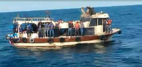 Ek Fotoğraf//82 Kaçak Karadeniz'de İki Gün Ölüme Terk Edildi