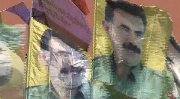 (ek Fotoğraf) Demirtaş'ın Kadıköy Mitinginde Öcalan Posterleri