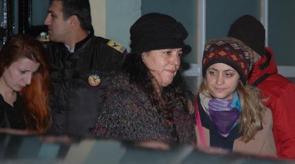 Ek Fotoğraflar (2) // Gözaltina Alinanlar Sağlik Kontrolünden Geçirildi