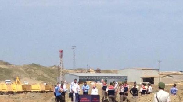 Ek Fotoğraflar / 3. Havalimanı Şantiyesinde İş Kazası: İş Makinası  Operatörüyle Gölete Uçtu