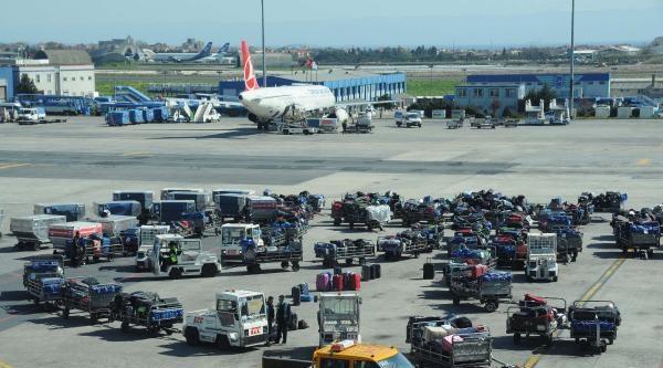 Ek Fotoğraflar /// Atatürk Havalimanı'nda Yaz Saati Kaosu