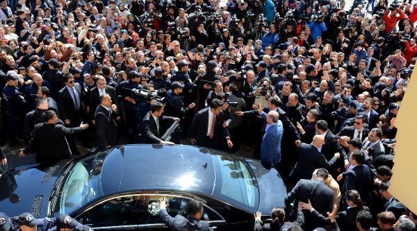 Ek Fotoğraflar - Başbakan Erdoğan Oyunu Kullandı