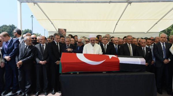 Ek Fotoğraflar // Beşiktaş'ın Onursal Başkanı Süleyman Seba Son Yolculuğuna Uğurlanıyor (1)
