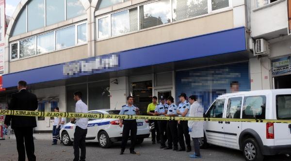 (ek Fotoğraflar) İstoç'ta Silahlı Banka Soygunu