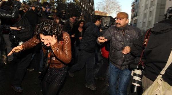 Ek Fotoğraflar -  Polis, Çelenkli Anma Yürüyüşüne Izin Vermedi