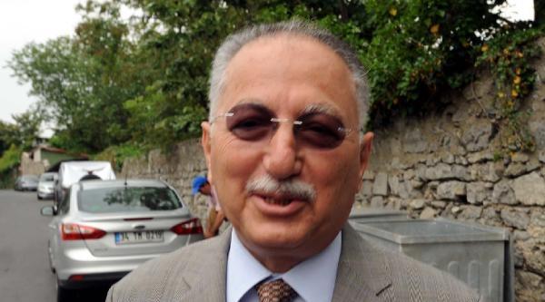 Ek Fotoğraflar - Prof. Dr. Ekmeleddin İhsanoğlu Konutundan Çikti, Açıklama Yaptı