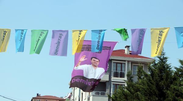 Ek Fotoğraflar - Seçim Yasağına Rağmen Afişler Kaldırılmadı