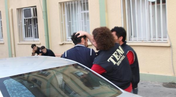 Ek Fotoğraflar// Şüpheli Ensesinden Ve Koluntan Tutan Polislerle Tartıştı