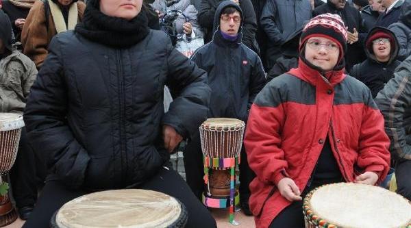 Ek Fotoğraflar  -  Taksim'de Engelliler Gününde Performasyon