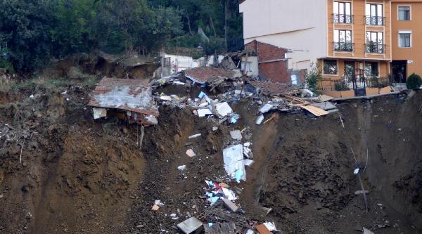 Ek Fotoğraflar // Üsküdar'da Belediye İnşaati'nda Çökme