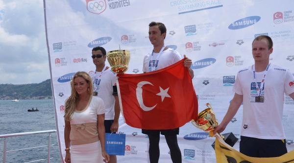 Ek Fotoğraflar - Yüzücü Caner Erkin, Kraliçe'yi Ağlattı