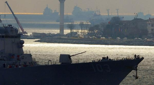 Ek Fotoğraflar//amerikan Savaş Gemisi İstanbul Boağazında 2