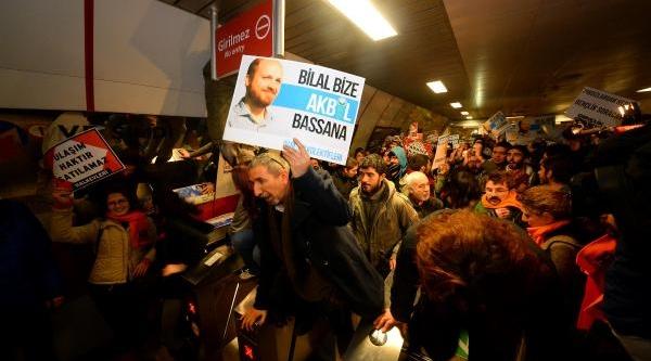 Ek Fotoğraflar/taksim Metrosunda Akbil Eylemi