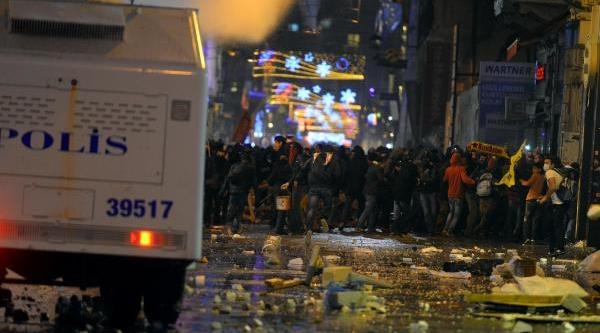 Ek Fotoğraflar/taksim'de Polis Müdahalesi