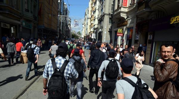 Ek - Galatasaray Meydanı'nda Gözaltı