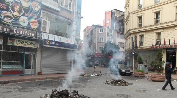 Ek-  Kumkapı'da Polis Müdahalesi, Göstericiler Bankayı Ateşe Verdi (3)