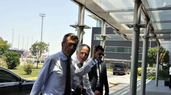 Ekmeleddin İhsanoğlu Ankara'ya Gitti