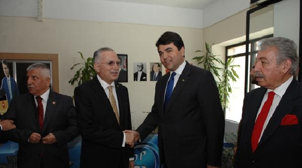 Ekmeleddin İhsanoğlu, Dp Genel Merkezi'ni Ziyaret Etti