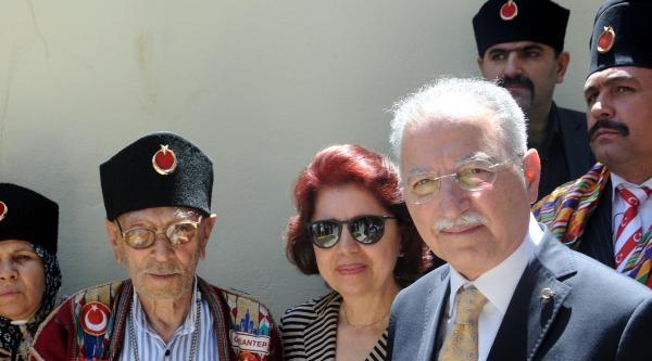Ekmeleddin İhsanoğlu Gaziantep'te