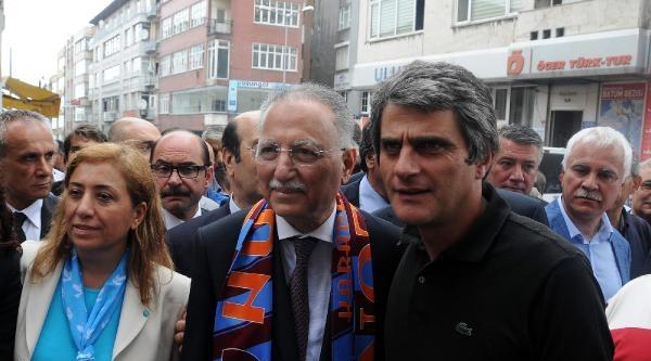 Ekmeleddin İhsanoğlu'na Trabzon'da Coşkulu Karşılama (2)