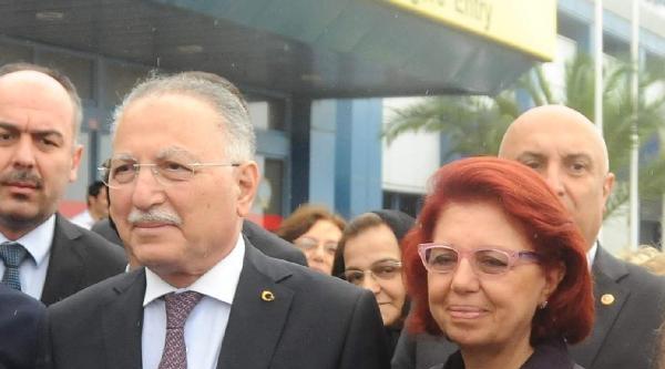 Ekmeleddin İhsanoğlu'na Trabzon'da Coşkulu Karşılama - Ek Fotoğraflar