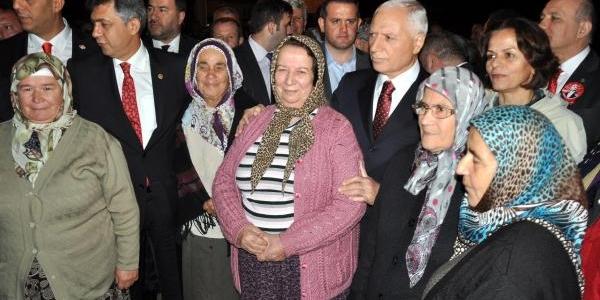 El Arabali Temizlik Görevlisi Geçit Töreninde (3)