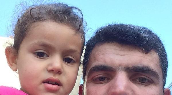 El Frenini Çekmeden Bıraktığı Minibüs, 3 Yaşındaki Kızını Ezdi