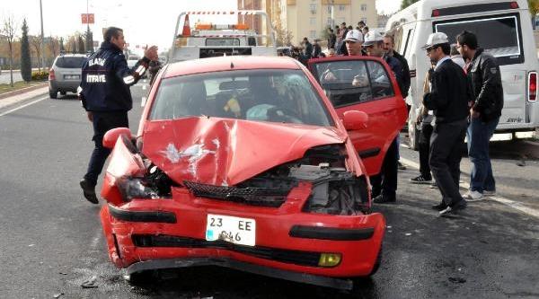 Elaziğ'Da 2 Ayri Kaza: Astsubay Çavuş Öldü, 7 Yarali