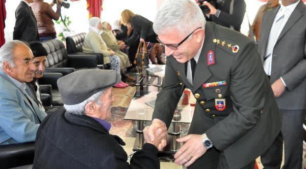 Elazığ'da Jandarmadan Yaşlılara Ziyaret