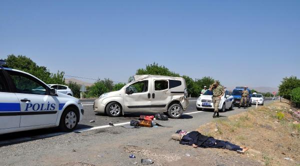 Elazığ'da Kaza: 1 Ölü, 4 Yaralı