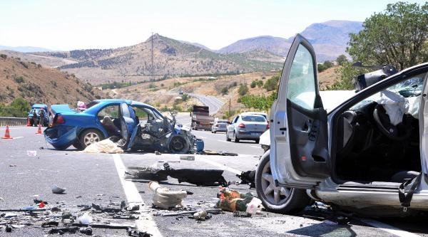 Elazığ'da Kaza: 1 Ölü, 6 Yaralı