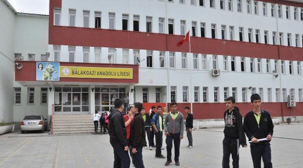 Elazığ'da Tabletleri Toplayan Liseye Soruşturma