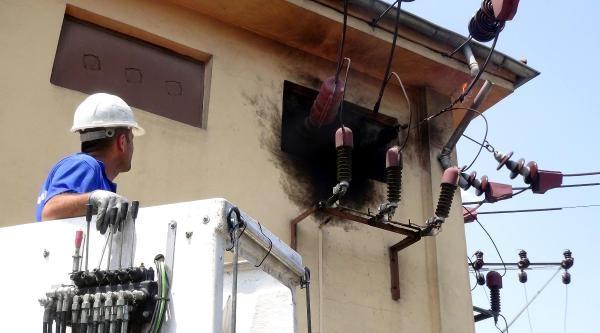 Elektrik Tellerindeki Yangın, Pet Şişe İle Söndürüldü