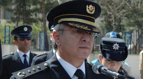 Emekli Emniyet Müdürü Orhan Savaş Toprağa Verildi