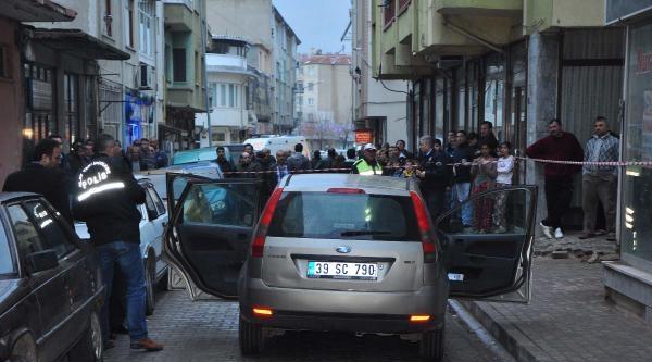 Emekli Öğretmen, Otomobilinde Öldürüldü
