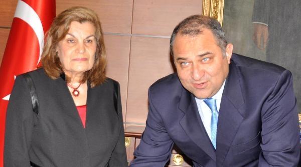 Emekli Öğretmenden Eğitime 500 Bin Lira Bağış