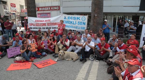 Emeklilerden 40 Derece Sıcakta 40 Tl'ik Zam Protestosu