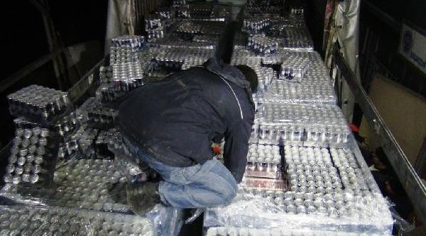 Enerji Içeceklerinin Arasinda 77 Bin 830 Paket Kaçak Sigara