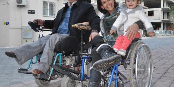 Engelli Çiftin, Engel Tanimayan Aşki